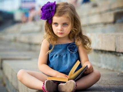 fotos-de-niña-con-libro